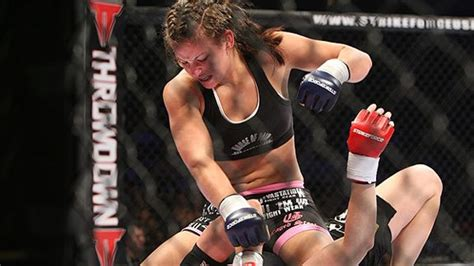 mma women fighters wardrobe malfunctions female mma fighters wardrobe malfunction