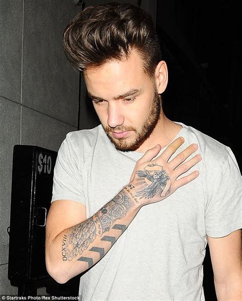 one direction s liam payne shows off huge new lion tattoo