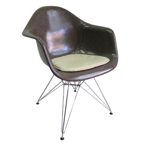 eames fiberglass armchair vintage eames fiberglass armchair with wire base seating