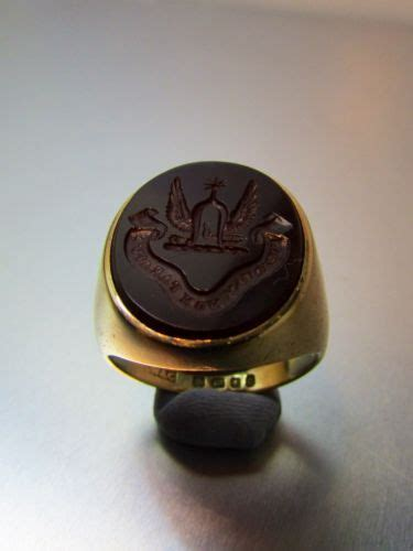 vintage large 18ct gold carnelian intaglio seal ring