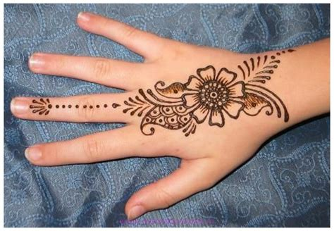henna tattoo op je hand beautiful simple mehndi designs free