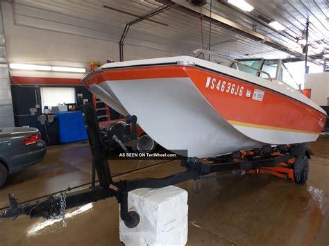 crestliner boats headquarters 1975 amf crestliner muskie 550 tri hull bowrider evinrude