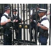 Armed Police Officers London 2014jpg  Wikimedia
