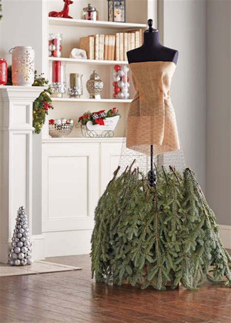 how to turn a dress form into a christmas tree 187 curbly