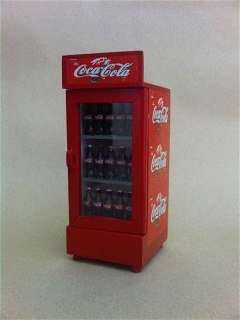 Magnet Tempelan Kulkas Botol Coca Cola karya babah antik miniatur kulkas coca cola miniature