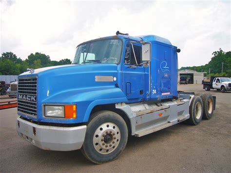 Mack Sleeper Cab For Sale by 1996 Mack Ch613 Tandem Axle Sleeper Cab Tractor For Sale