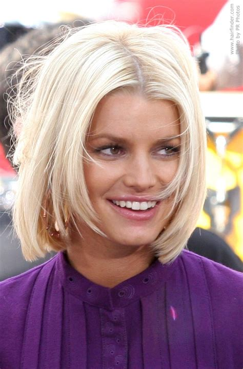 pics of bobs with hair parted in middle jessica simpson with her hair chopped short in a bob