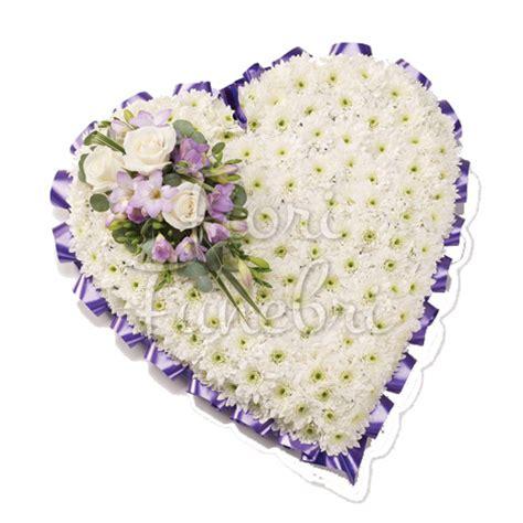 fiori crisantemi cuscino funebre di crisantemi e