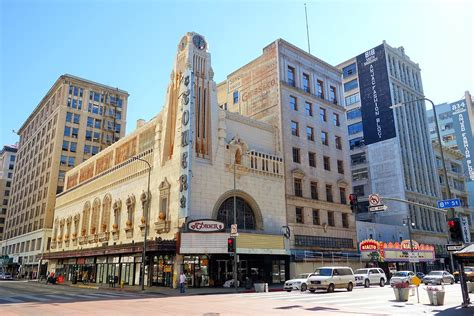 l stores los angeles apple store to take over historic theater in downtown los