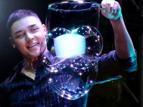 fan yang bubble show fan yang master of soap bubbles cy cy says