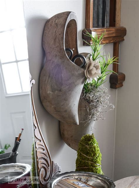 Shoe Rack Planter by 25 Best Ideas About Wooden Shoe On Wooden