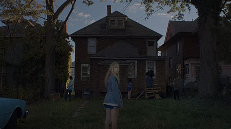 film it follows what makes the new horror film it follows so damn good wired