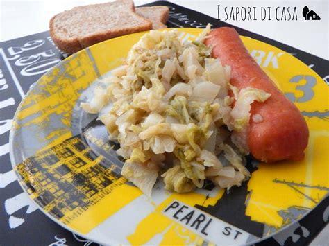 cavolo cinese come cucinare cavolo cinese brasato con salsicce