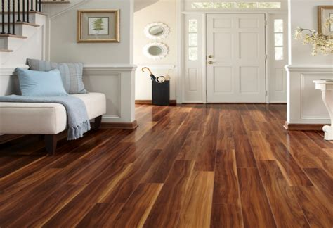 how much does it cost to put laminate flooring