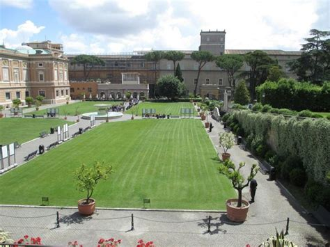Things To Do Near Square Garden by Giardino Quadrato Square Garden Picture Of Vatican