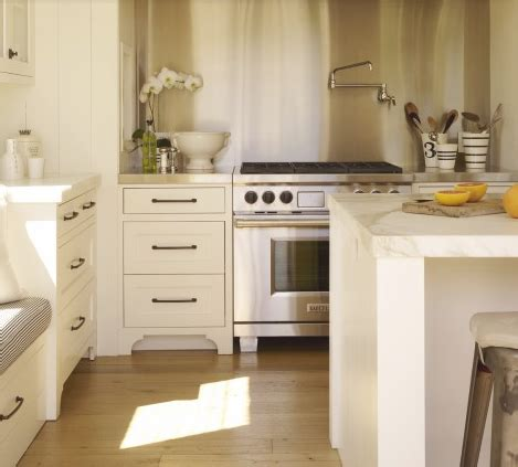 What Color Should I Paint My Kitchen With Dark Cabinets vancouver interior designer which pulls knobs should you