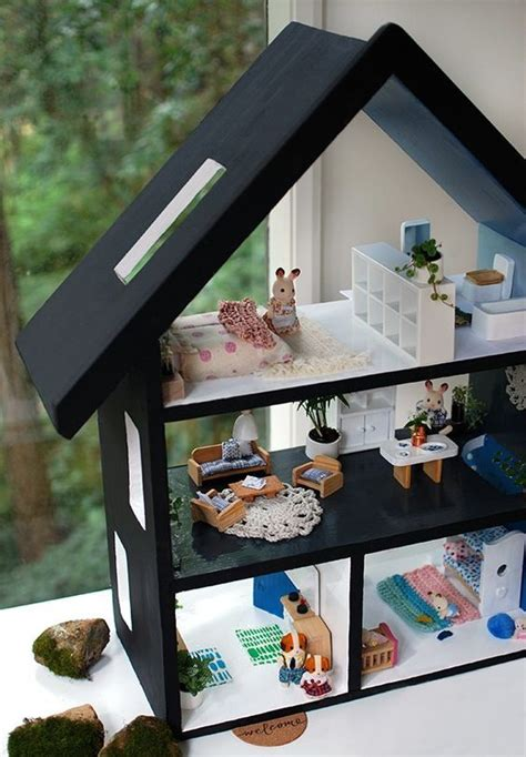 do it yourself doll house best 25 diy dollhouse ideas on pinterest homemade dollhouse dollhouse ideas and
