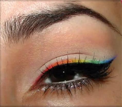 eyeliner occhi tutorial eyeliner arcobaleno un trucco occhi per chi ama i colori
