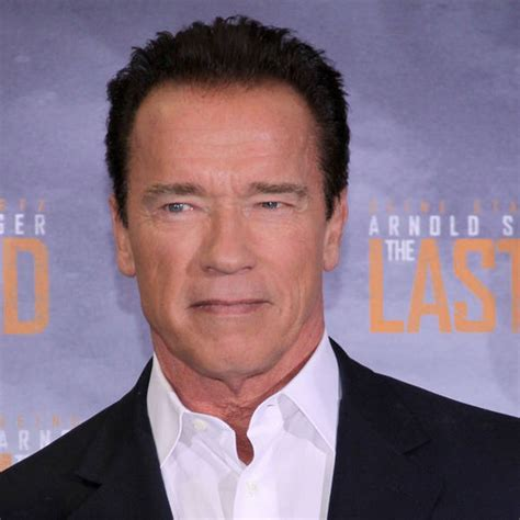 arnold schwarzenegger reprises his iconic in terminator reboot to go up against independence day 2