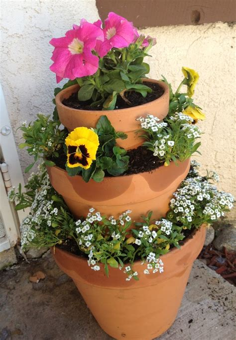 flower tower planter 17 best images about potted planters on planters landscape fabric and herbs garden