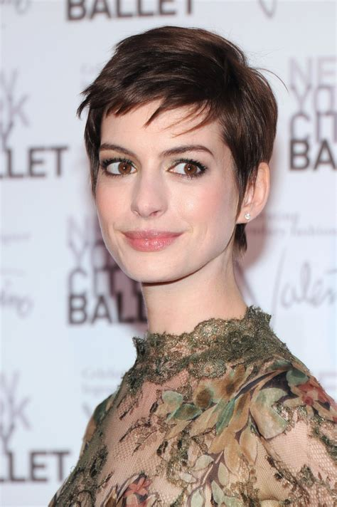 how mentain ethnic pixie cut beauty buzz anne hathaway to keep pixie cut how to get