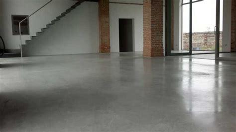 pavimento in cemento lisciato pavimento in cemento lisciato al quarzo semplice e