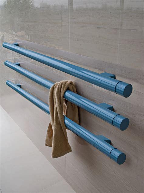 scaldasalviette orizzontali bagno t b t termoarredo orizzontale by radiatori design