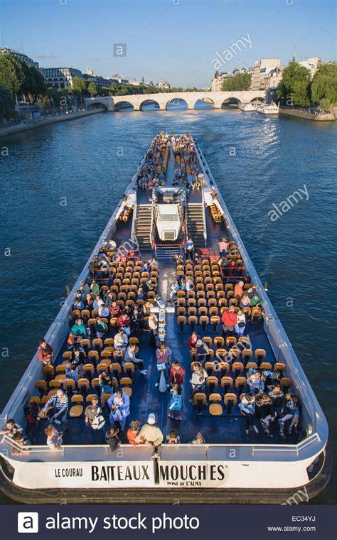 bateau mouche seine bateaux mouches pont neuf seine paris france stock