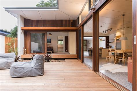 Blueys Beach House Is A Modern Take On The Traditional Blueys House