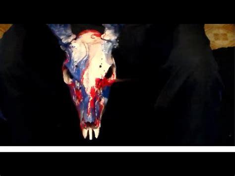 spray painting deer skull spray paint deer skull dipping diy hyrdodipping