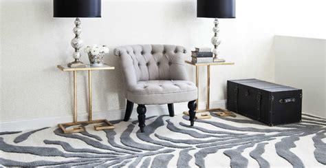 tappeti leopardati tappeti zebrati dettagli animalier per ogni stanza