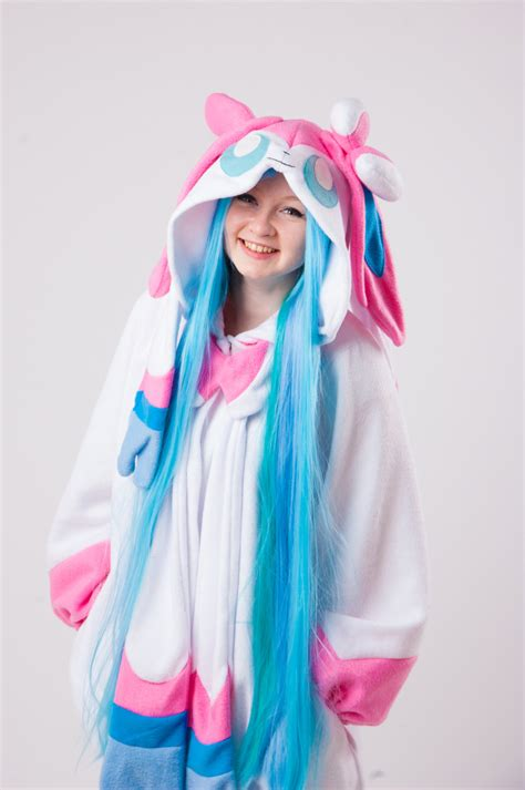 Red Kitchen Furniture sylveon kigurumi