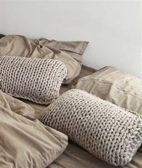 cuscini maglia numerosi modelli di cuscini in maglia per stupire