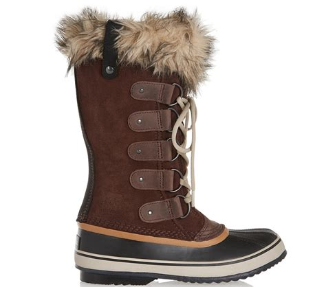 19 chic cold weather boots to help make winter 2016 a bit