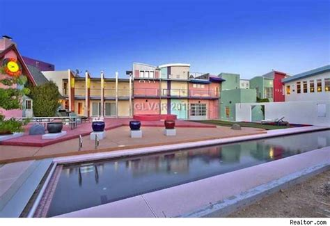 penn jillette house magician penn jillette lists candy colored mansion house of the day