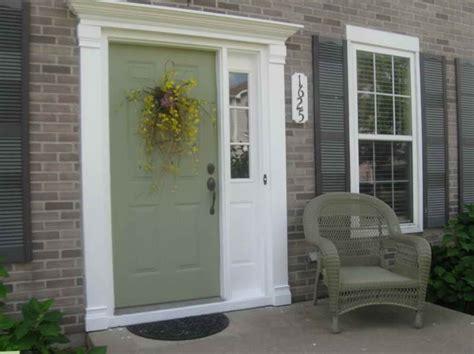 choose front door paint colors  green colour