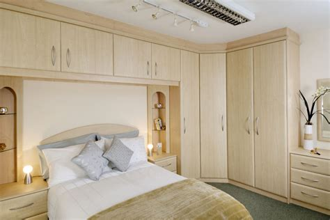 fitted wardrobes crown bedrooms