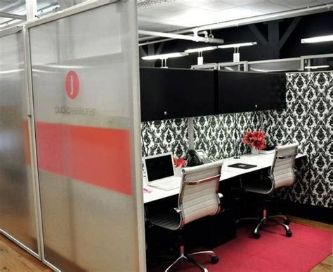 cubicle chic wow super chic and inviting cubicle decor ideas
