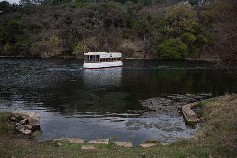 glass bottom boat san marcos texas san marcos glass bottom boat tour trailing away