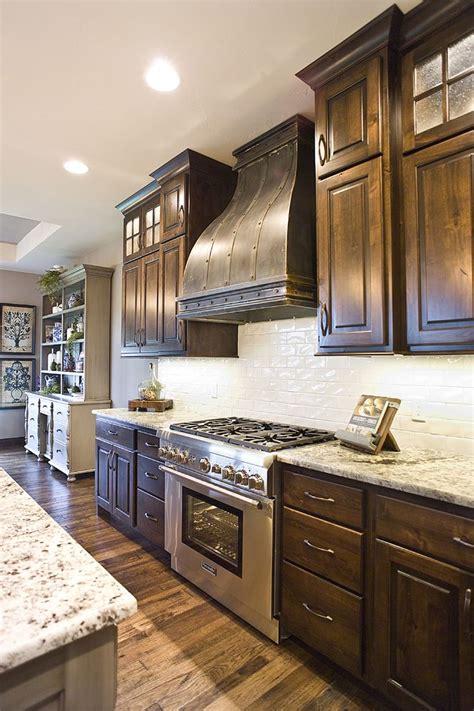 alder wood cabinets kitchen best 25 knotty alder kitchen ideas on pinterest