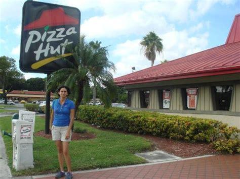 Pizza Hut In Miami Gardens by Pizza Hut Miami 5731 Nw 36th St Restaurant Reviews