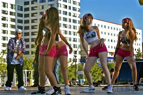 mujeres bailando tubo sin nada puesto video mujeres bailando sin nada newhairstylesformen2014 com