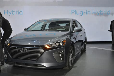 Hyundai Hybrid In by Hyundai Ioniq In Hybrid Test Drive Review Nets 3 Of 5