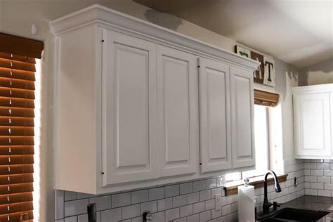 paint kitchen cabinets  knots addicted  diy