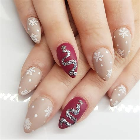 Nail For Medium Nails by Dressing Up Your Mid Length Nails Try These On Nailstyle