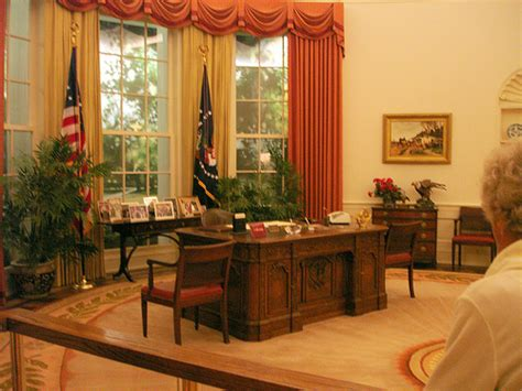 inside the oval office oval office inside reagan library flickr photo sharing