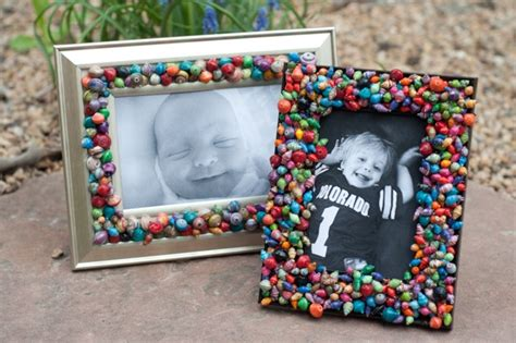 How To Make Handmade Frames For Pictures - make a beaded frame for familycorner 174