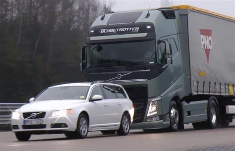 volvo semi truck video find volvo s new semi truck stops itself just shy