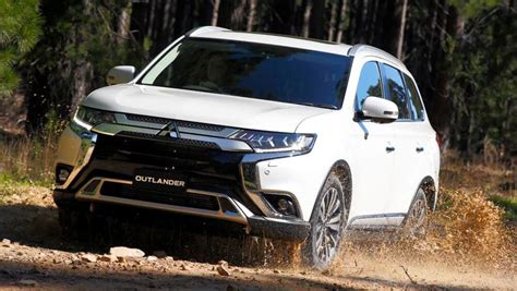 toyota outlander 2020 mitsubishi outlander 2020 pricing and spec confirmed