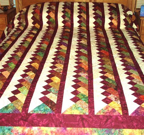 quilt pattern queen size quilt queen size braided pattern in burgundy maroon cream and